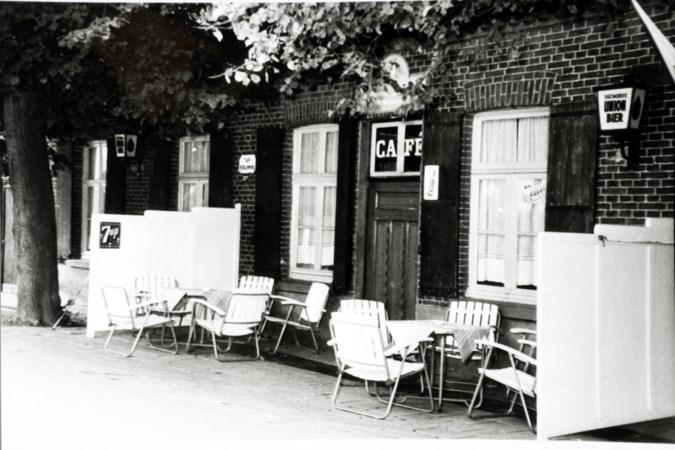 <p>Café De Halve Maan aan de Helmondseweg richting Nederweert</p>