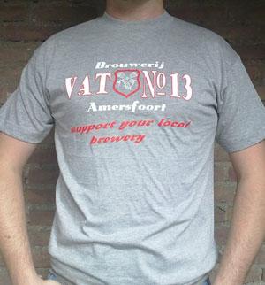 <p>In 2010 kwam de brouwerij ook met een T-shirt met hierop de tekst <i>support your local brewery</i></p>