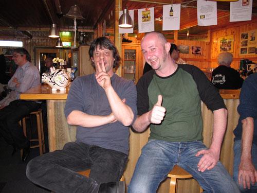 <p>Carl Stapelbroek van Vat No. 13 (r) en Ruud van Moorst van Bierbrouwerij De Eem (l)</p>