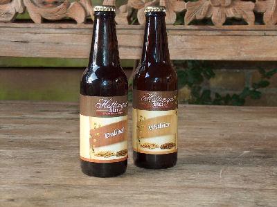<p>Dubbel en Witbier van Brouwerij Hettinga Bier</p>