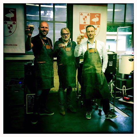 <p>Brouwerij De Kleefse Waard en Hopsaké hebben elkaar gevonden!! Samen gaan we aan de slag om Arnhem eerdaags te voorzien van speciaalbier. Gebrouwen op Arnhemse grond met Arnhems water.</p>