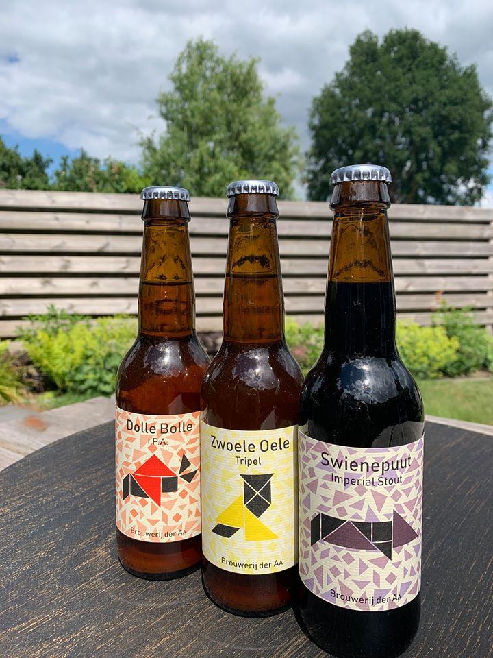 <p>Dolle Bolle, Zwoele Oele en Swienepuut nu verkrijgbaar bij Slijterij Pinotage in Annen en de Maolderij in Anloo (7 juni 2020)</p>